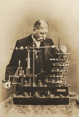""" Dr. E W Alabone and his Geometric Chuck"" Science Museum, Kensington"